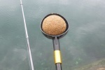 チヌ( クロダイ )の紀州釣り「 ダンゴの握り方アンコのテクニック 」.jpg